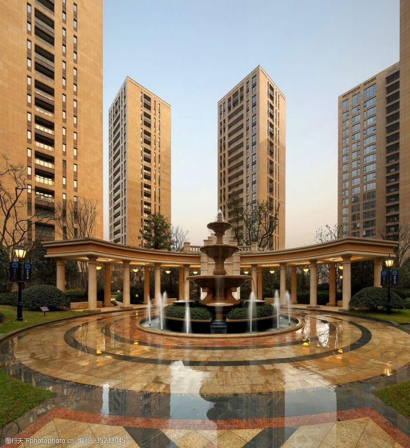 喷泉景观小区里的喷水池