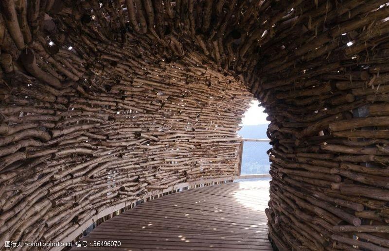 木头桥木头山洞