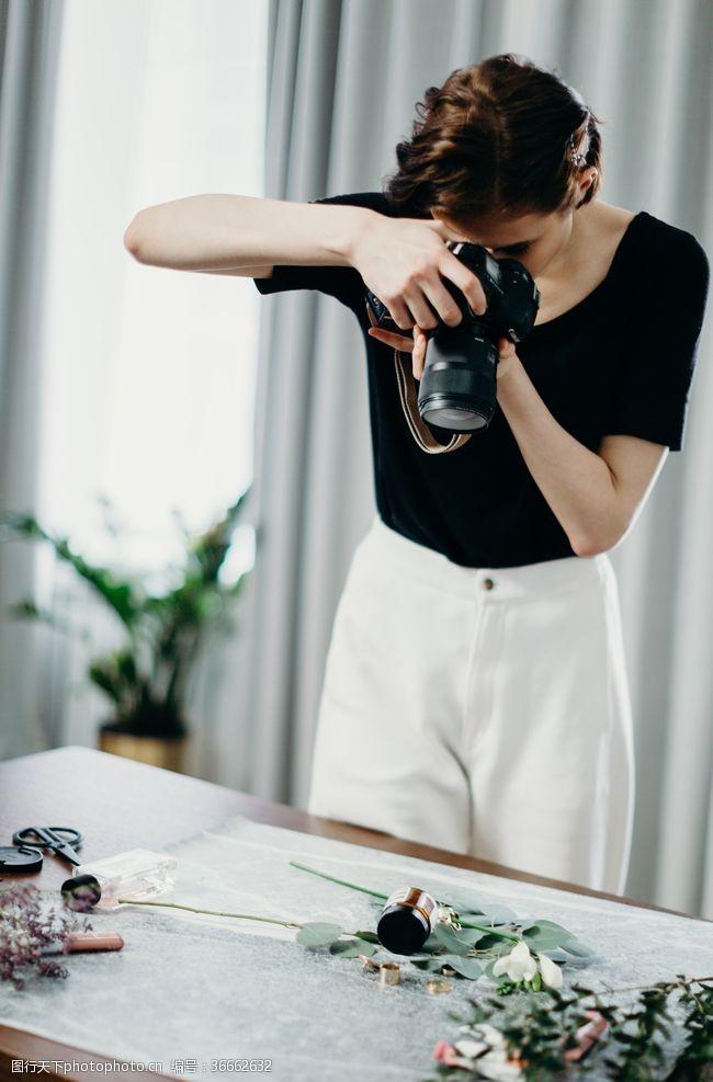 国外美女美女摄影师