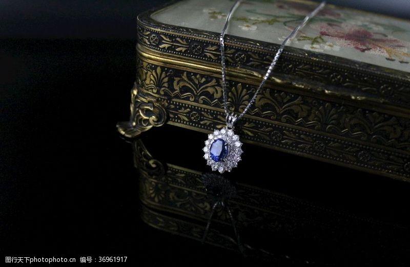 海洋之心蓝宝石项链
