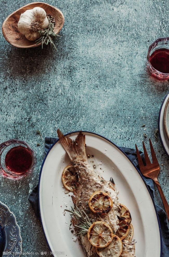 fish烤鱼与蒜头