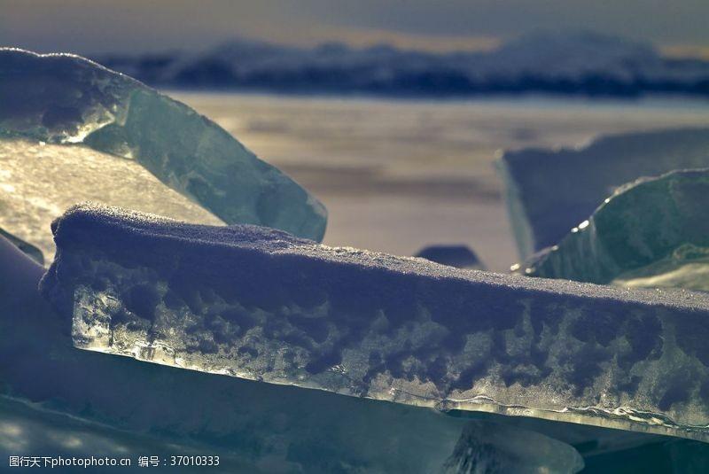 冰冰赛里木湖的冰