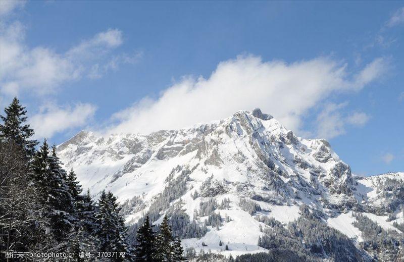 瑞士旅游瑞士阿尔卑斯铁力市雪山