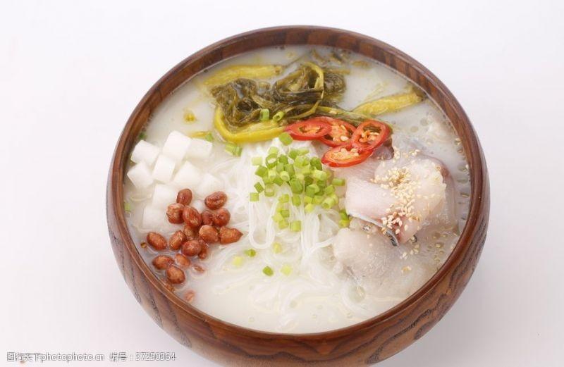 云南美食酸菜米线