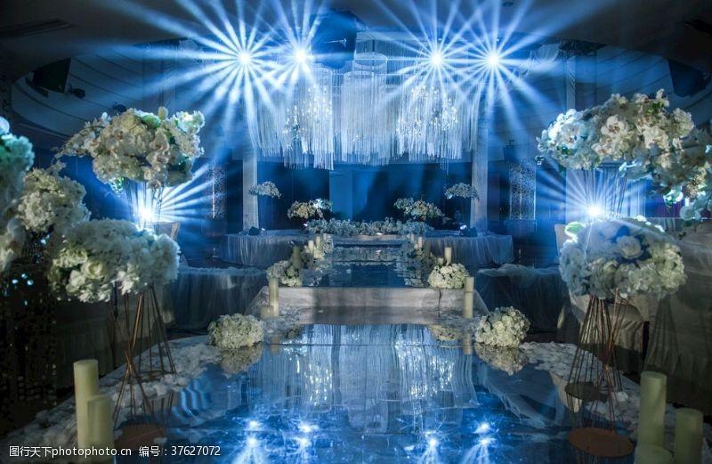 冷色系婚礼现场