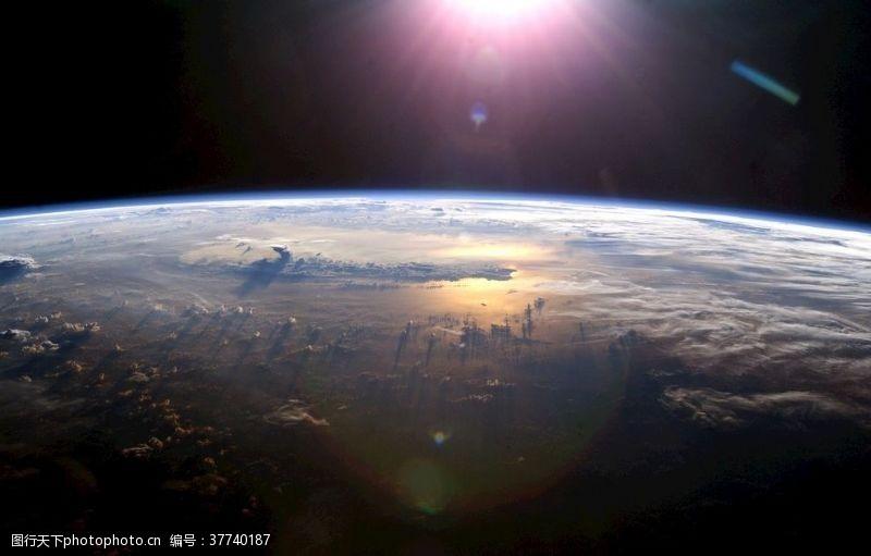 发光地球宇宙太阳