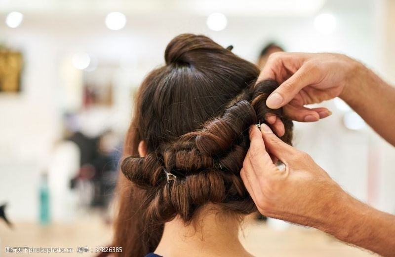 女人发套长发背影女性背影长