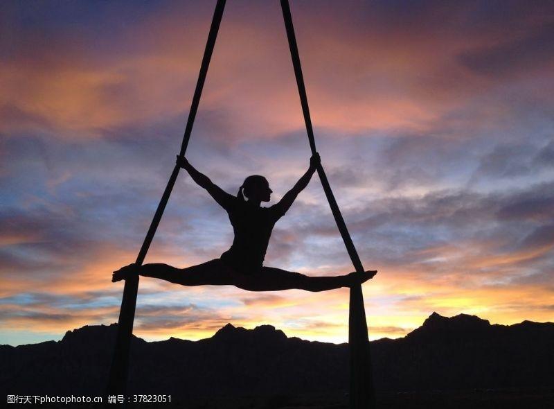 女人瑜伽健身运动美体休闲背景素材