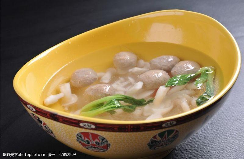 美食小蘑牛丸汤