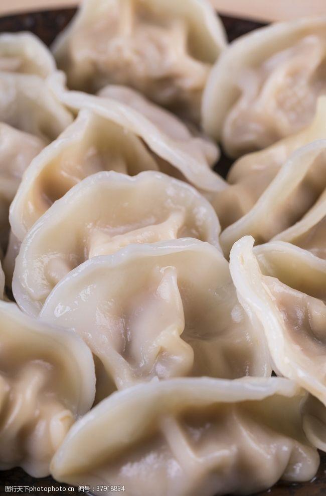 传统美食饺子锅贴