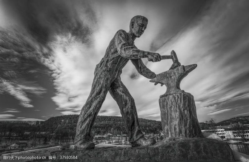 自然人物雕像