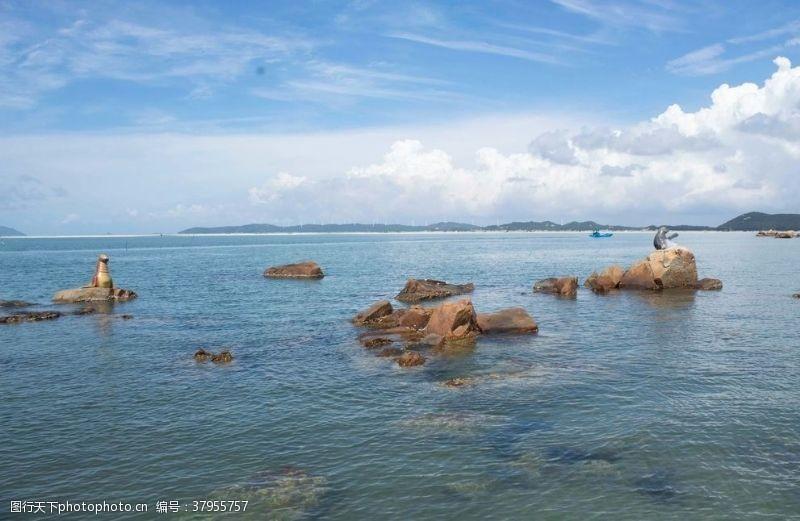 清澈的水大海