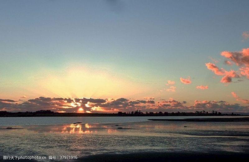 海水奥克兰海滨的晚霞