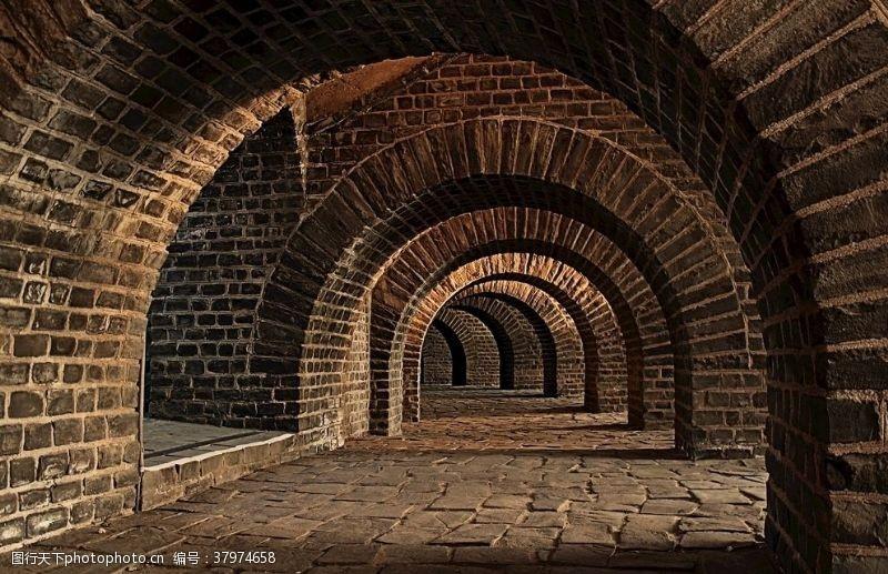 建筑园林拱形地窖石头门