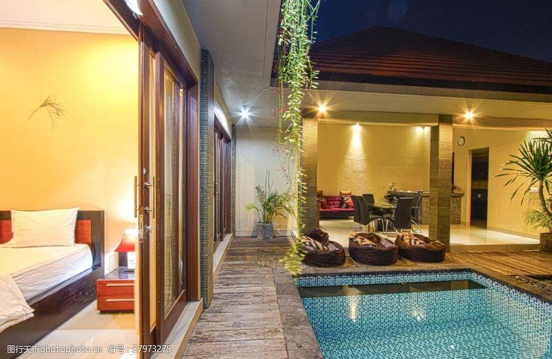 建筑园林泳池
