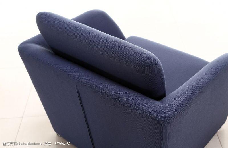 350dpi蓝色沙发特写图
