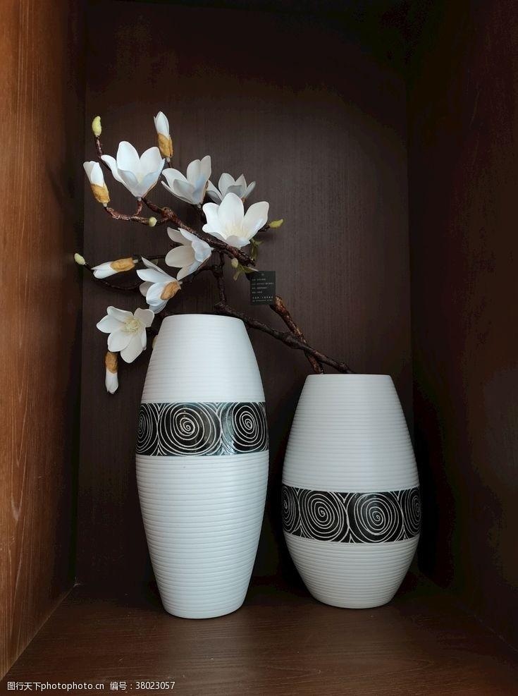 小情趣鲜花与插瓶