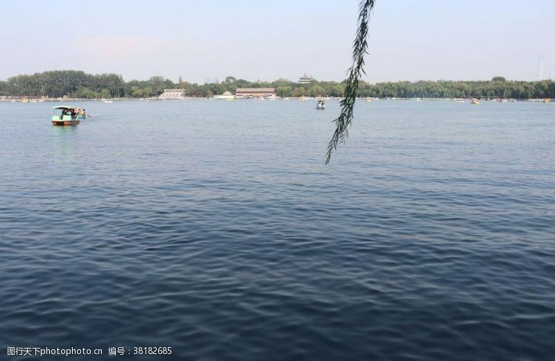 水面背景水