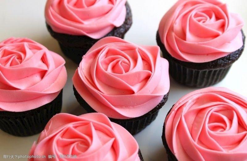 传统玫瑰花蛋糕