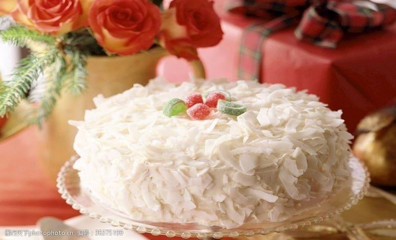 传统椰条水果蛋糕