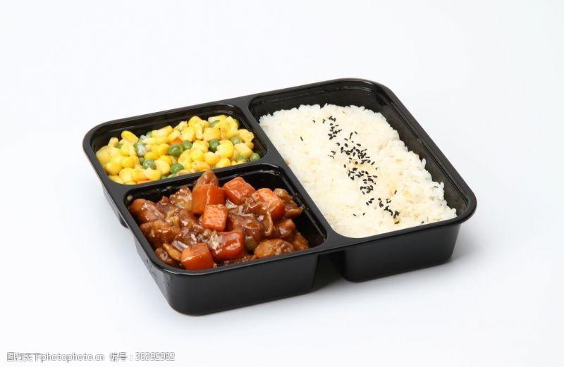 图片红烧牛肉套餐饭