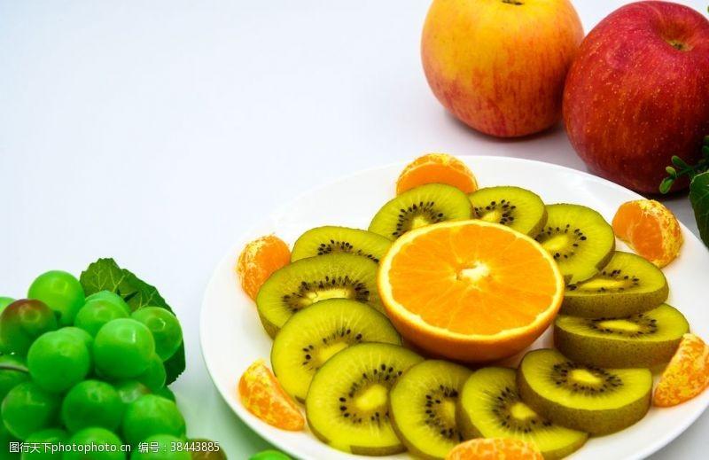 紅色水果拚盤