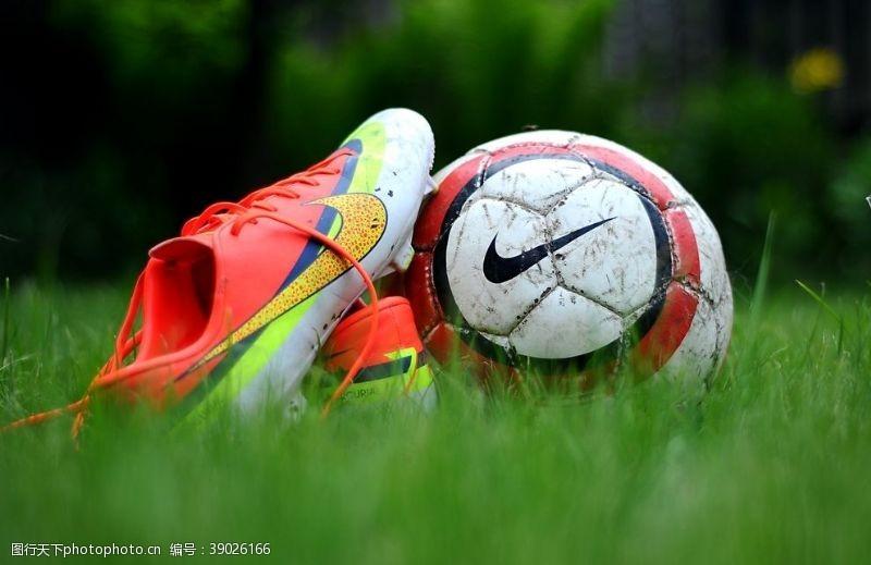 足球比赛 足球图片