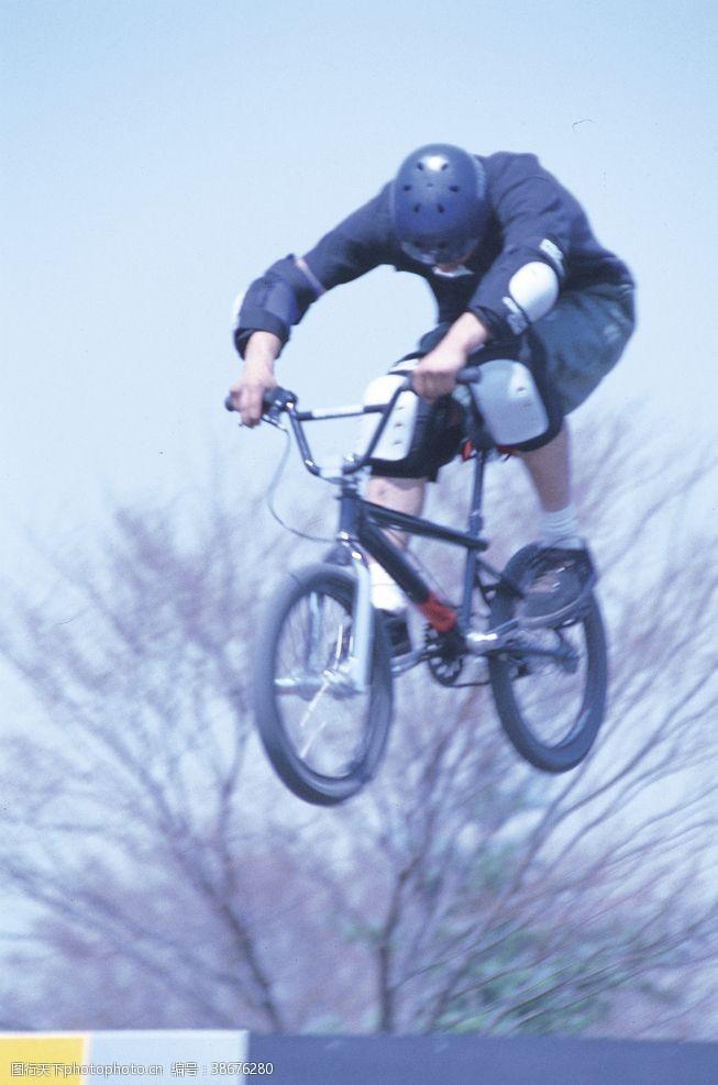 305dpi自行车
