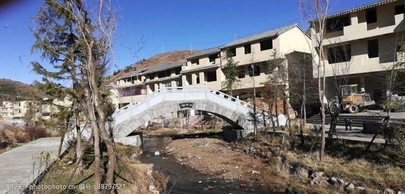 村子小桥流水房屋建筑