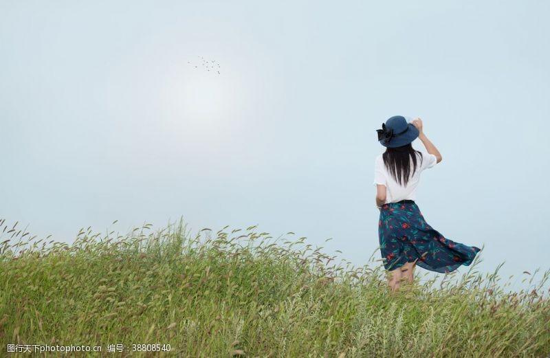 清纯美女原野美女写真摄影