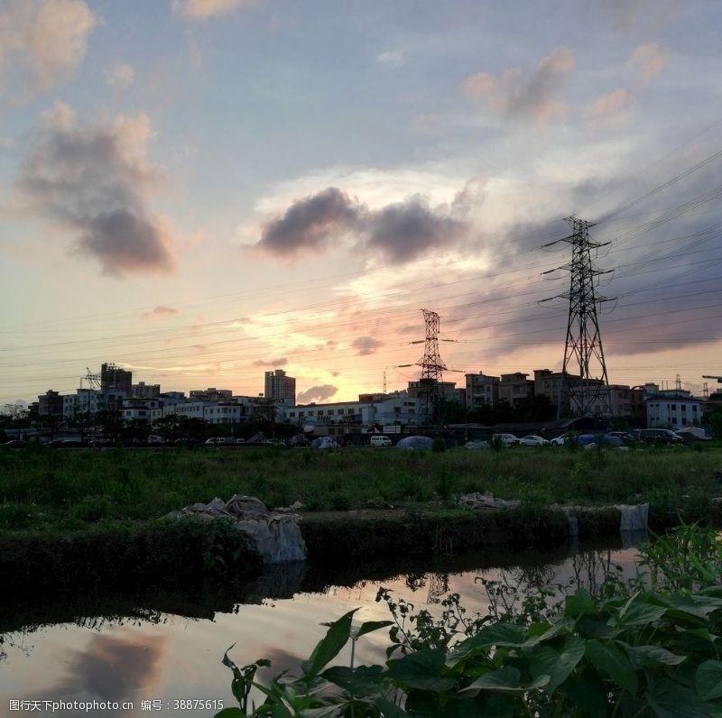 村子彩霞夕阳风景