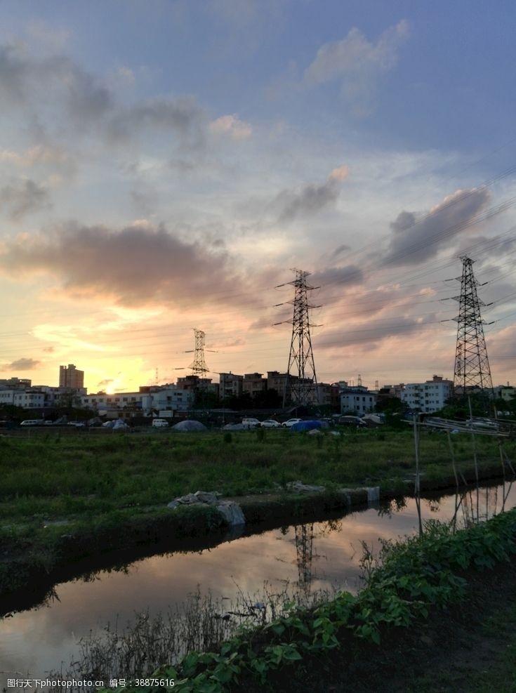 村子日出风景