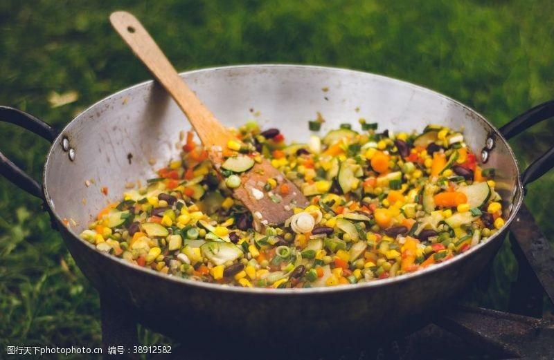 牛肉蔬菜丁