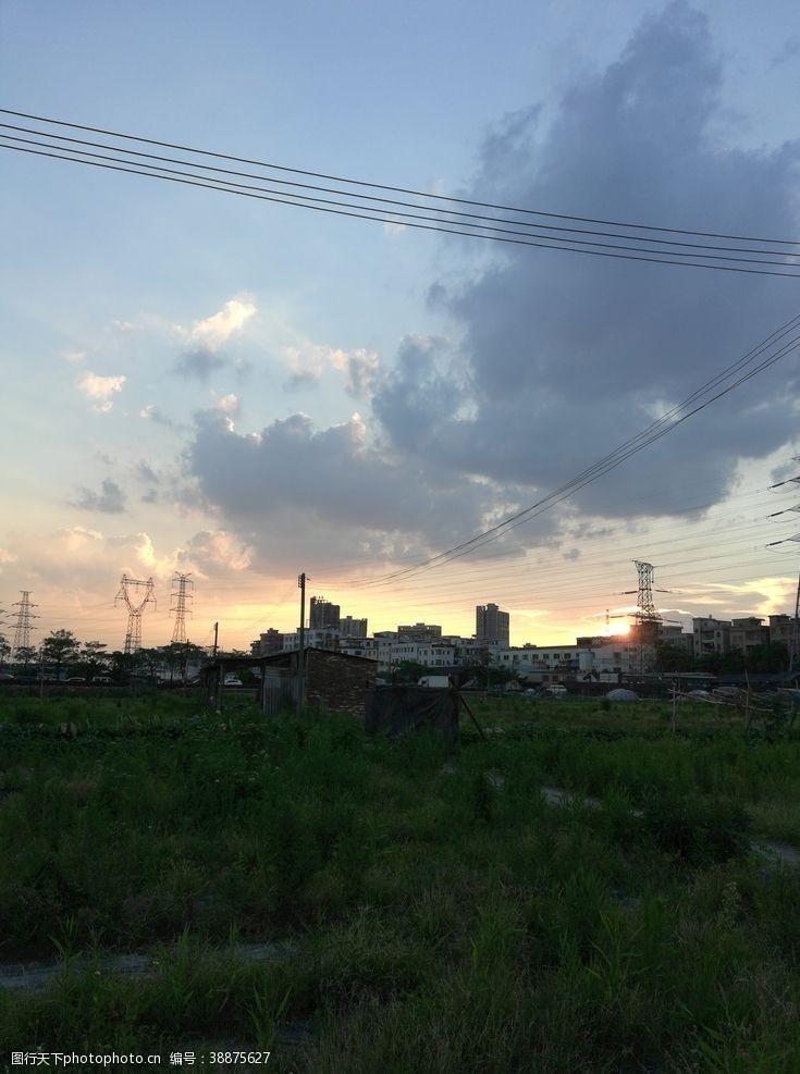 村子乡村日出风景