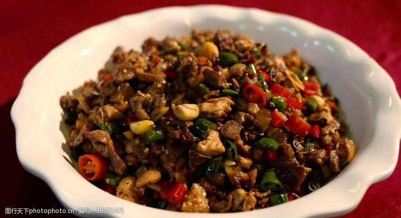 传统美食 辣子鸡图片