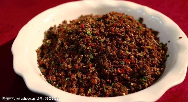 传统美食 小米辣牛肉末图片