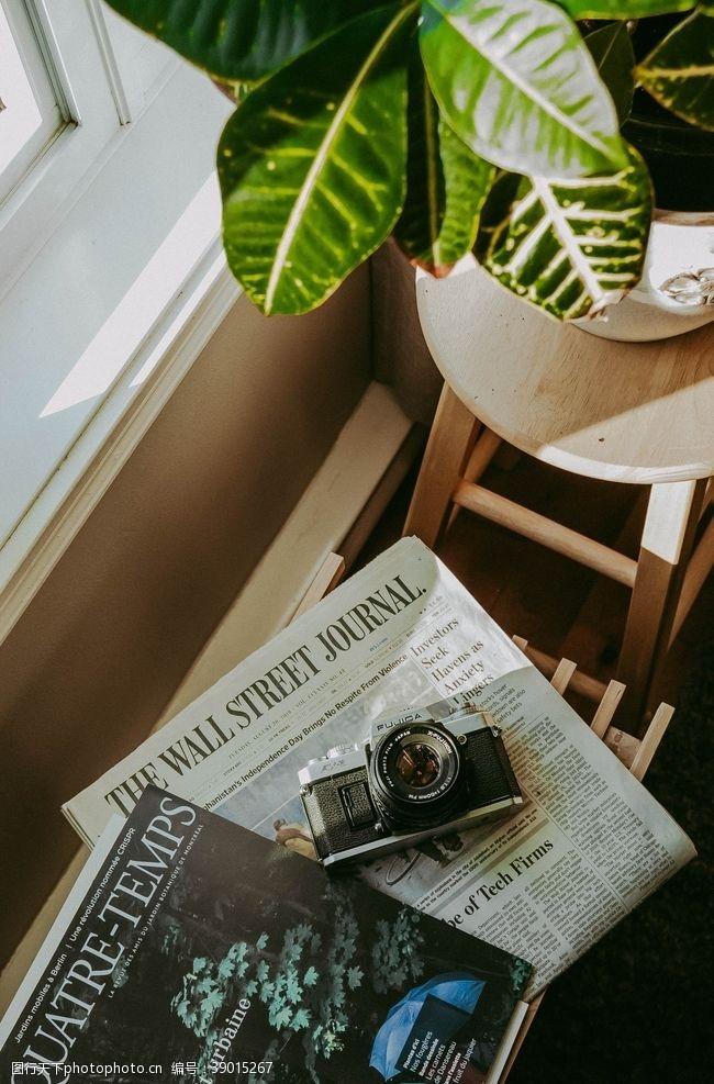莱卡相机复古家居简约背景图片