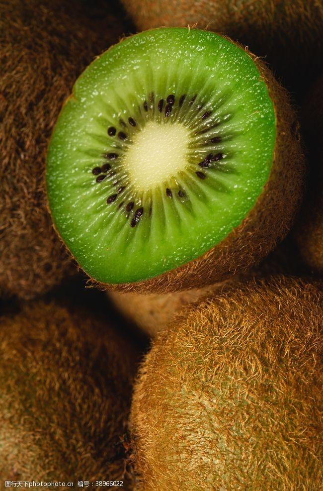 猕猴桃新鲜水果背景素材图片