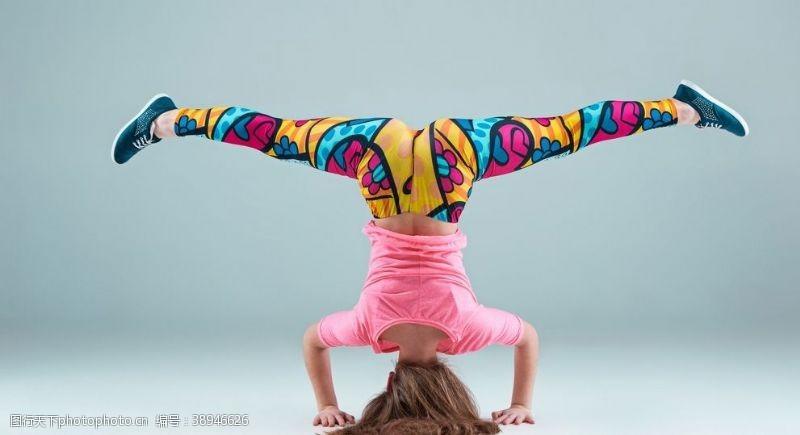 健身的美女 美女健身图片