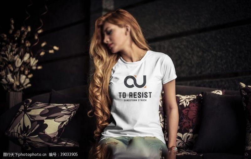 vi设计 T恤衣服样机图片