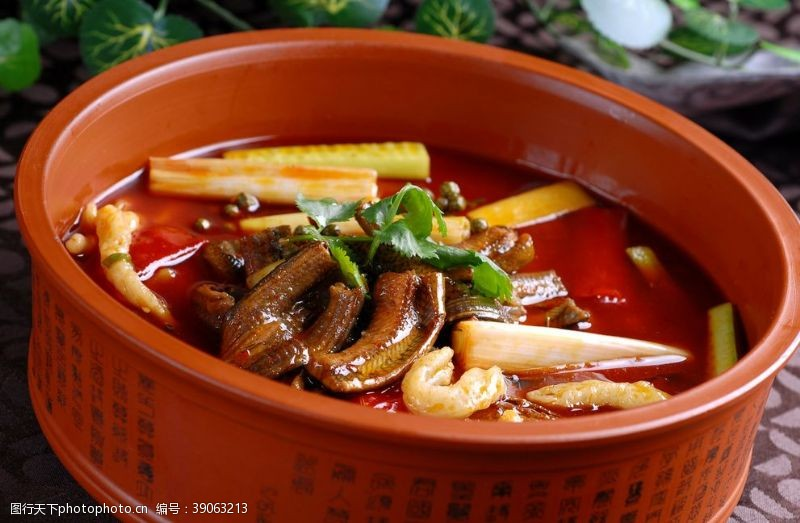 青花椒 花椒土鳝段图片