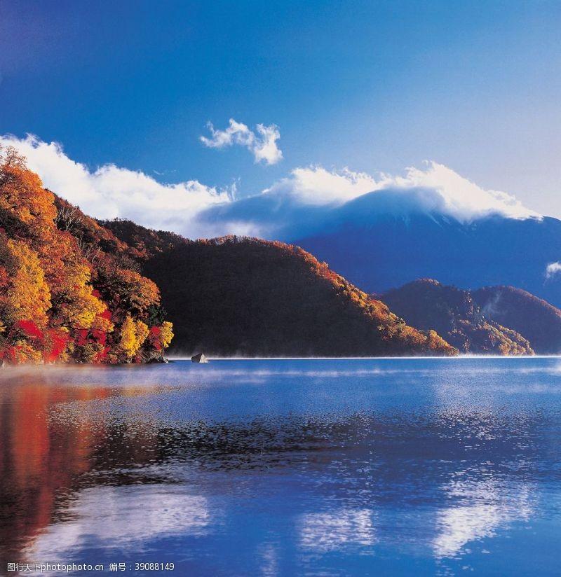 305dpi 湖泊图片