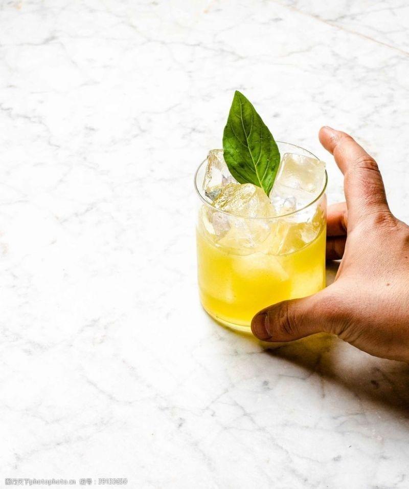 柠檬鸡尾酒图片
