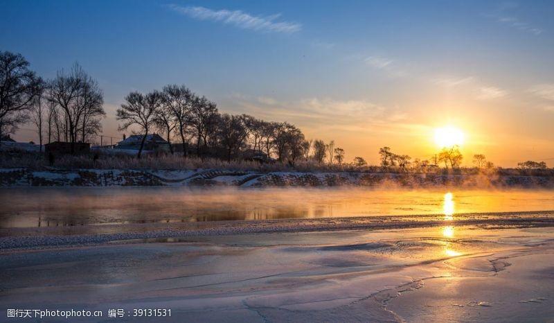 黄昏美景 日暮下的河道风景图片