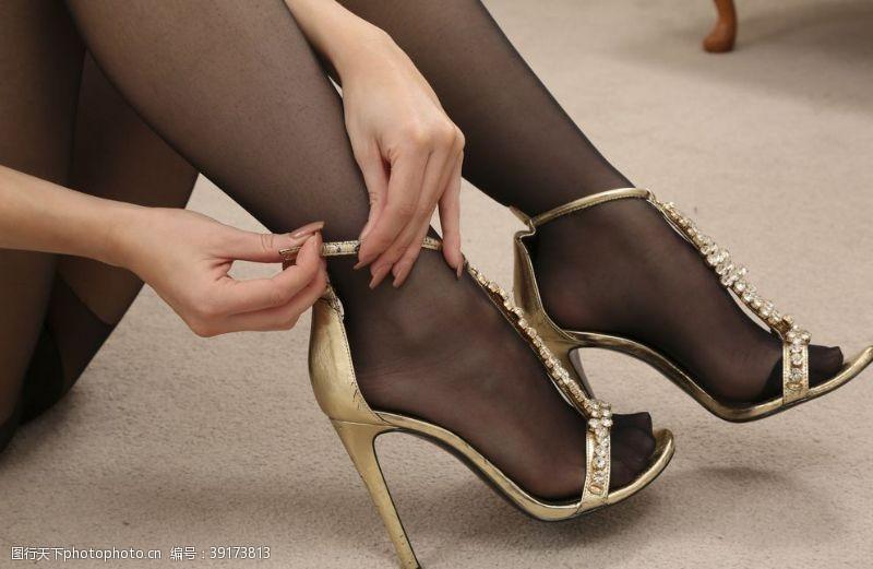 清纯美女 美腿丝袜美女高跟鞋连裤袜图片