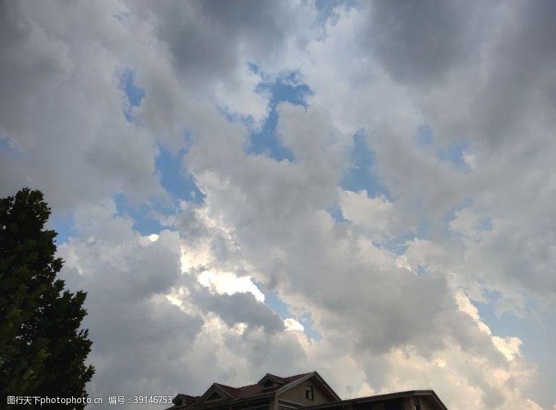 雷雨 雨云图片